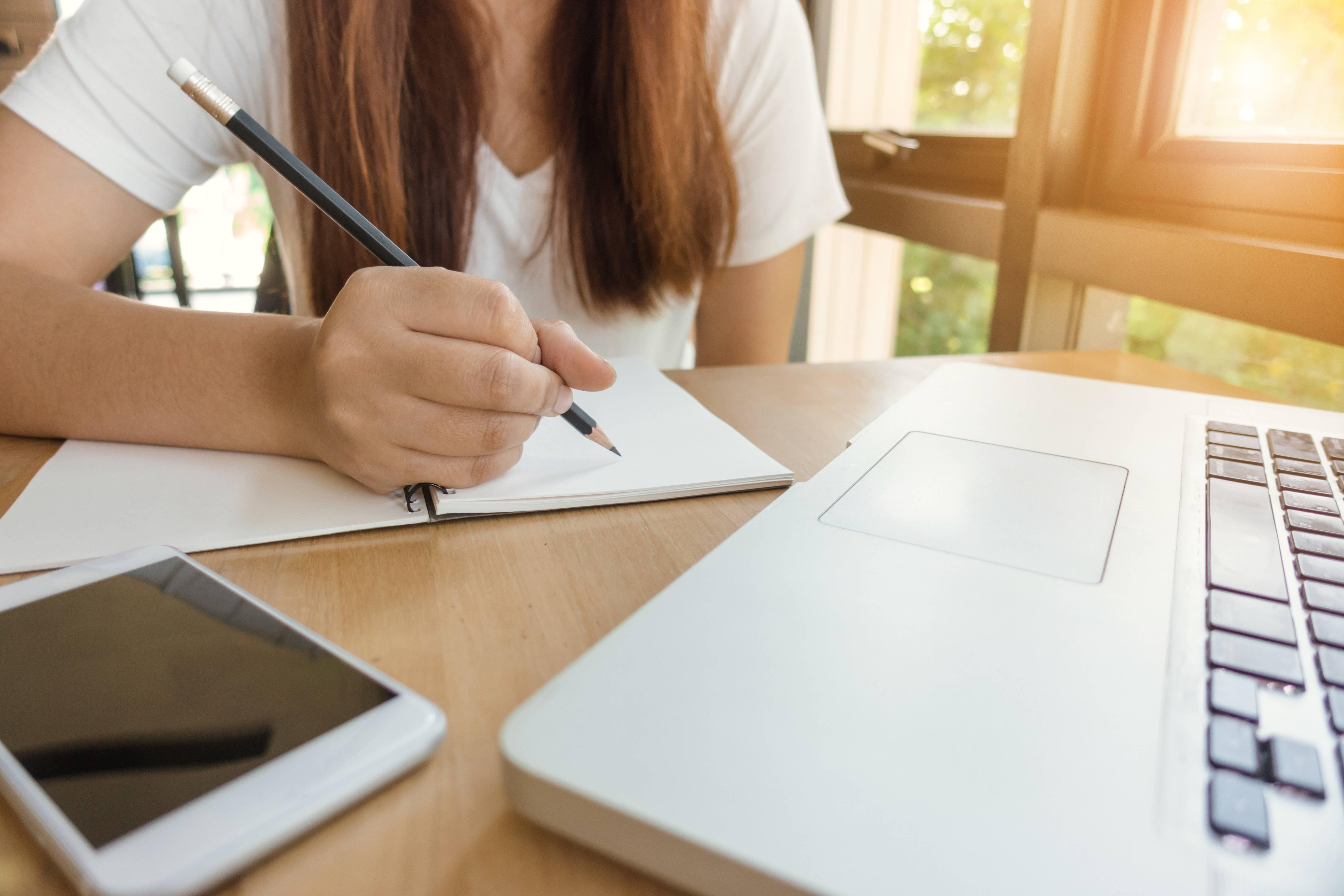 全国会计专业中级资格考试报名人数135.4万人